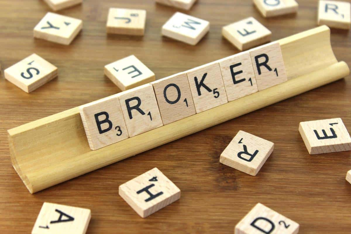 Cómo elegir broker para invertir en bolsa a largo y medio plazo