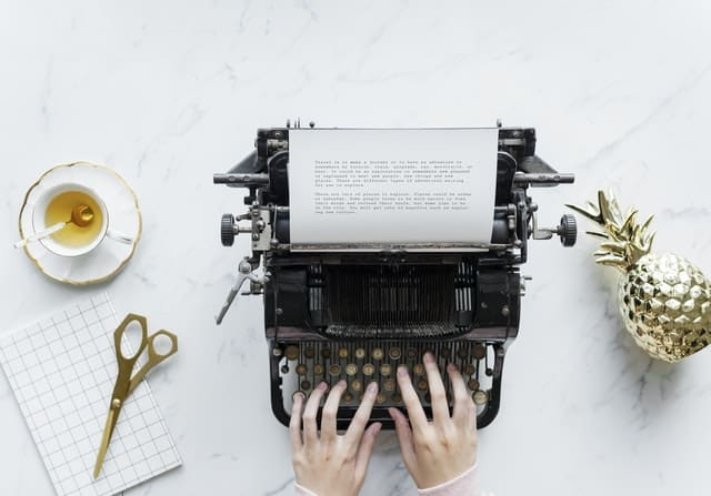 trabajar desde casa escribiendo